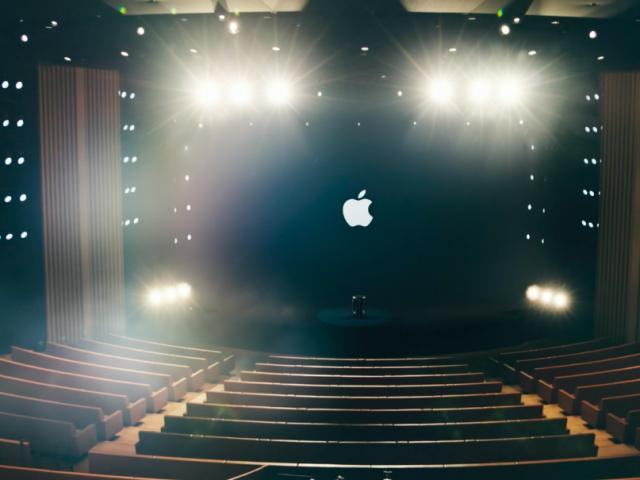 En esta 'Nueva Normalidad', Apple prioriza el software sobre el hardware