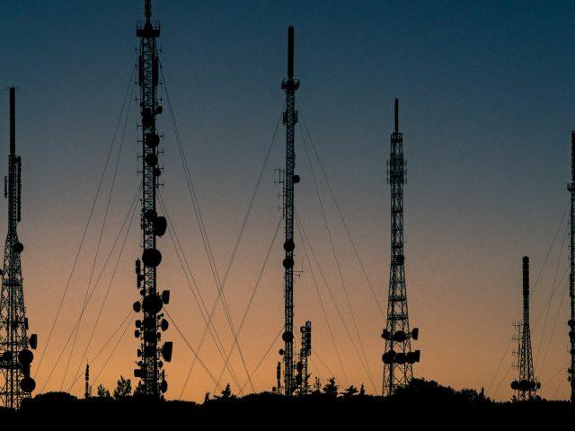 América Móvil busca expandir su red en Brasil