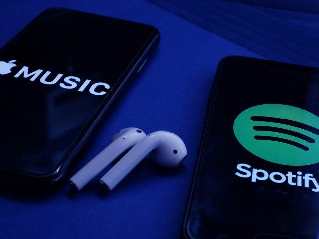 Apple lanza un nuevo súper paquete de servicios… y a Spotify no le parece
