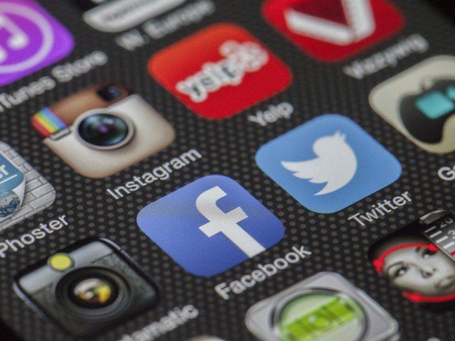 Facebook podría ser quebrado, pero el gigante se resiste