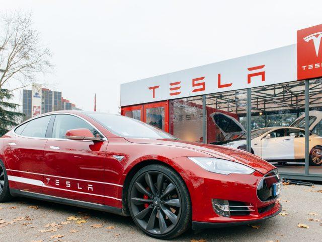 Sigue Tesla rompiendo sus propios records.